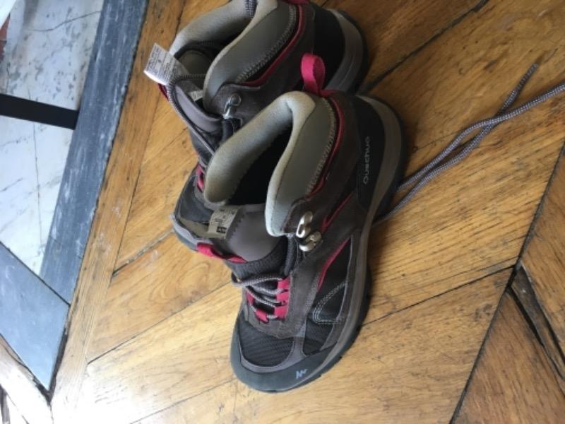 Recyclage, Récupe & Don d'objet : chaussures randonnées montagne 38-39 presq...