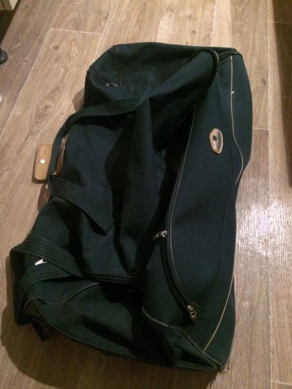 Recyclage, Récupe & Don d'objet : valise à roulette