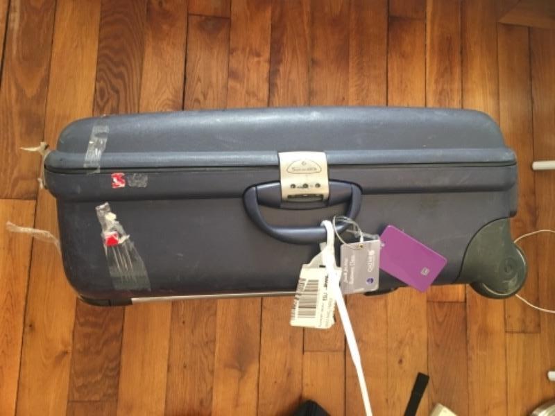 Recyclage, Récupe & Don d'objet : valise dure de taille moyenne/grande