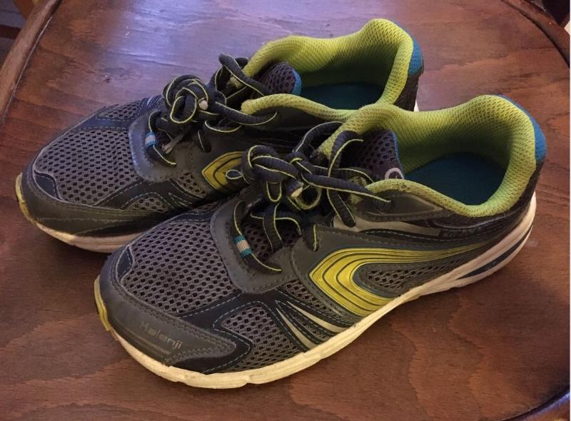 Recyclage, Récupe & Don d'objet : chaussures de sport enfant taille 34