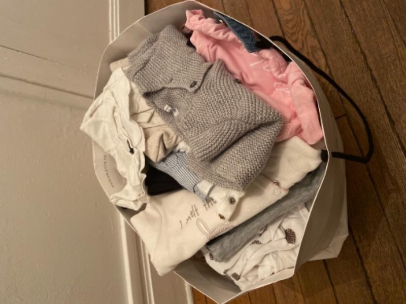 Recyclage, Récupe & Don d'objet : vêtements fille 0-6 mois