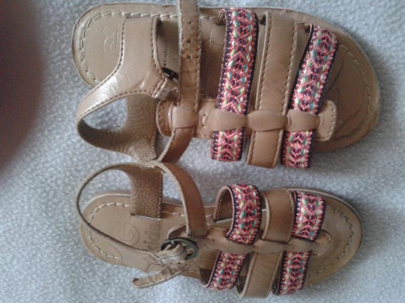 Recyclage, Récupe & Don d'objet : sandales enfant