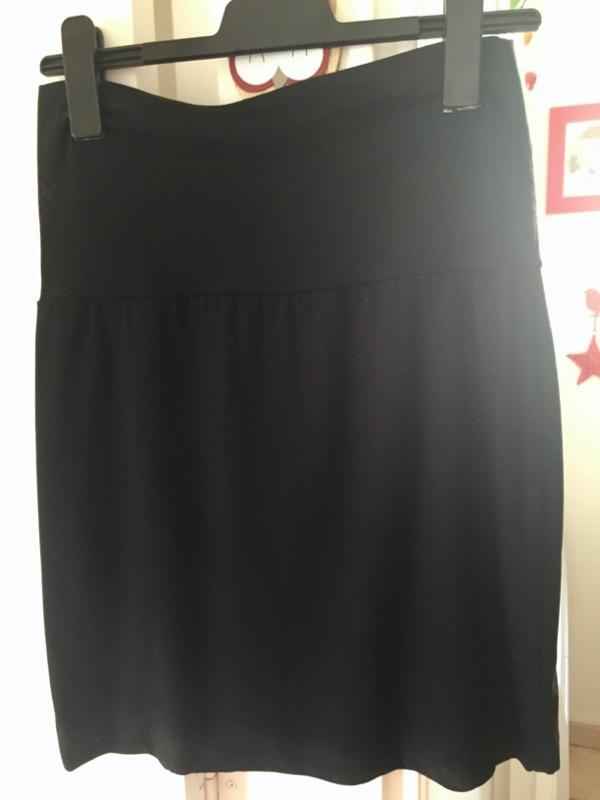 Recyclage, Récupe & Don d'objet : jupe en maille taille 42-44