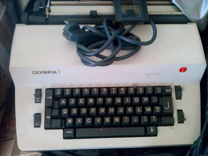 Recyclage, Récupe & Don d'objet : machine à écrire