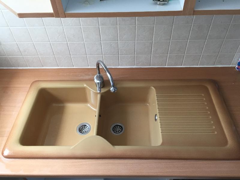 Recyclage, Récupe & Don d'objet : Un évier double vasque en grès