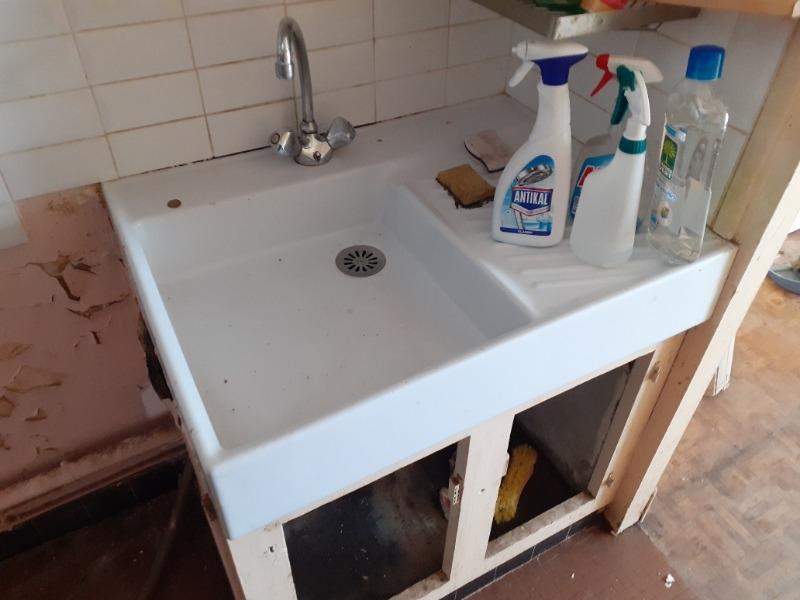 Recyclage, Récupe & Don d'objet : Bac émaillé blanc de cuisine