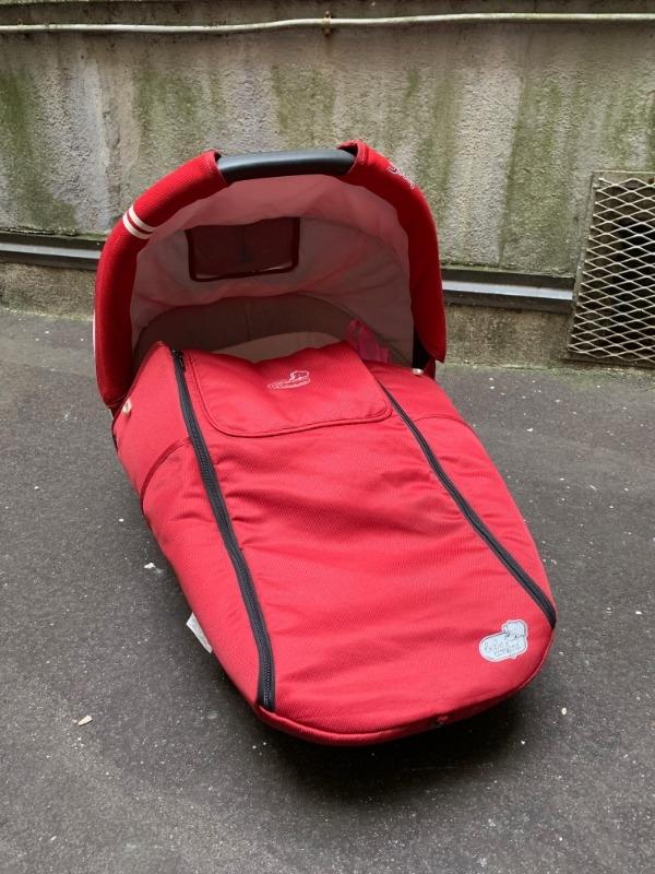 Recyclage, Récupe & Don d'objet : nacelle rouge streety bébé confort