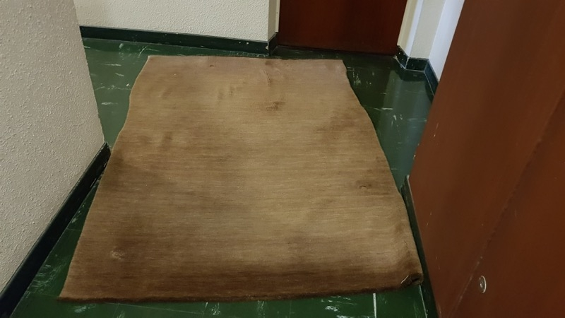 Recyclage, Récupe & Don d'objet : Je donne 1 tapis marron foncé en laine poils ras